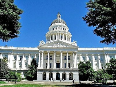 California Senate committee clears bill for new energy storage rebate program